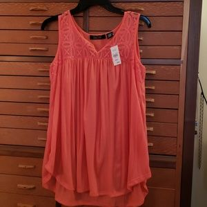 Coral tunic tank size M from Cracker Barrel shop